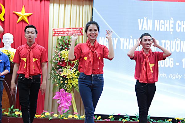 van-nghe-chao-mung-ngay-thanh-lap-tvu-05