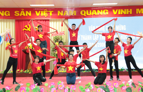 van-nghe-chao-mung-ngay-thanh-lap-tvu-07