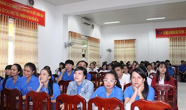 van-nghe-chao-mung-ngay-thanh-lap-tvu-14