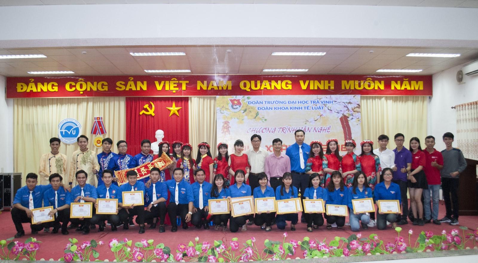 DSC_0238 copy TVU